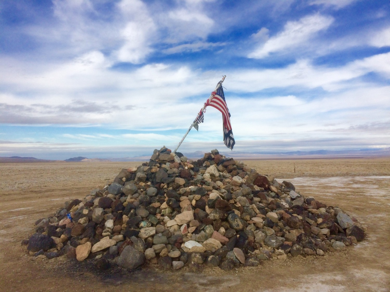 Mojave Trail Traveller's Monument rock pile
